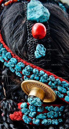 Tibetan Women wearing/selling traditional Turquoise Jewelry. Lhasa, The Capital of Tibet. South-Western Tibet 2011© Nora de Angelli / www.noraphotos.com