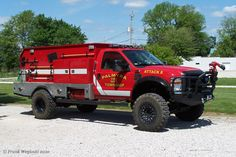 Indiana Fire Trucks: Fire and EMS Apparatus Pictures Big Trucks, Ford Trucks, Pickup Trucks, Truck Caps, Rv Truck, Ambulance, Quito, Pick Up, Funny Truck Quotes