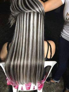 Valage highlight 2019 Gotta Go Grey Sometime Long Gray Hair, Dark Hair, Burgundy Blonde Hair, Haircut And Color, Hair Color Highlights, Cool Hair Color, Silver Hair, Pretty Hairstyles, Hair Inspiration