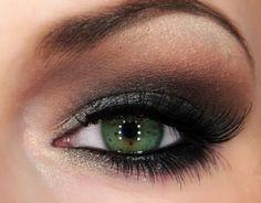 Classic Smokey Eyes by Julia Graf