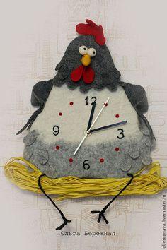 Купить или заказать Часы 'Зверьё моё' в интернет-магазине на Ярмарке Мастеров. Забавные авторские часы с бесшумным механизмом плавного хода. Выполнены в технике мокрого с элементами сухого валяния. Часы 'Курочка' - 2900 (размер 28*22 см) Часы 'Кот' - 4650 (размер основы 34*24, головы 14*13, общий - 46*60 см) Часы 'Ящерка' - 3750 (размер 57*30 см) Часы 'Мышь' - 2900 (размер прим.25*17 см) Часы 'Бяшка' - 3550 (размер основы 25, общий 57…
