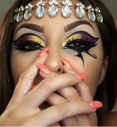 Eye of Horus makeup look for Halloween . Goddess Makeup, Eye Makeup, Hair Makeup, Eye Of Ra, Dark Tree, Halloween Makeup, Halloween Ideas, Theatrical Makeup, Eye Of Horus