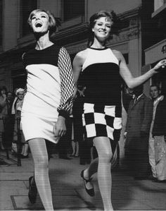 Vogue 1965 photographed by Ronald Traeger