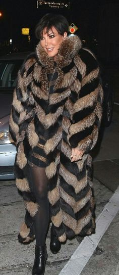 Kris Jenner, Kardashian Jenner, Fur Coat Fashion, Fabulous Furs, Faux Fur Vests, Fox Fur, Winter Wear, Celebs, Fur Coats