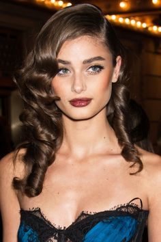 10 fall hair and makeup looks to try now: Taylor Hill's brown lip and glamorous curls