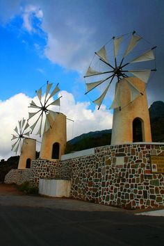 30 Wonderful Photos of Windmills From Around the World - The Photo . Tilting At Windmills, Old Windmills, Blowin' In The Wind, Water Mill, Water Tower, Old Barns, Le Moulin, Covered Bridges, Scenery