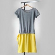 2 T-shirts = une robe - Pop Couture Coin Couture, Couture Sewing, Couture Outfits, Dress Outfits, Diy Clothes, Clothes For Women, Sewing Blouses, T Shirt Diy, Tee Shirts