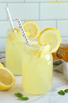 This Healthy Lemonade is a delicious all natural summer drink that's free of refined sugars and made with only 3 simple ingredients! Healthy Lemonade, Honey Lemonade, Blueberry Lemonade, Health Drinks Recipes, Healthy Drinks, Healthy Meals For Kids, Healthy Baking, Margarita Recipes, Eat Healthy