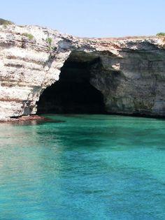The sea caves and #grottoes along the #Adriatic coast near #Otranto, in #Apulia. #AriaLuxuryApulia  #LuxuryVillasPugliaItaly