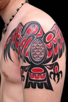 I'm not a huge fan of tattoos but I love NW Native Art.  So cool!