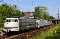 RailAdventure 103 222 is taking two Vectron locomotives for Italy to Brenner station. The machines involved are the grey 191 011 and 191 012 for Italian railfreight operator CFI