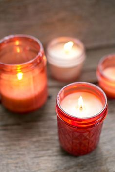 Make your own mason jar candles in pink, just right for a romantic Valentine's Day.
