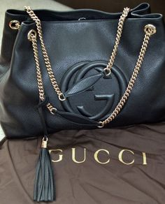 So lucky to find a online Gucci outlet, As low as $206 | See more about gucci bags, outlets and fashion styles.
