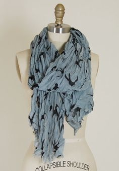 Crinkle bird scarf in blue:spotted moth
