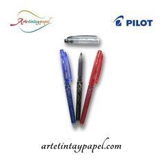También contamos con bolígrafos borrables, este es el Pilot Frixion Point borrable. Cuenta con una punta fina y tinta de gel, trazo suave y preciso. Goma en el capuchón con la que podemos borrar en caso de equivocarnos.