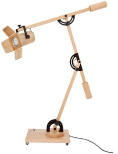 Woodtrack lamp - with the exception of the frasteners, this could be made entirely of wood. Best Woodworking Tools, Woodworking Furniture, Industrial Track Lighting, Lampe Edison, Diy Floor Lamp, Wooden Table Lamps, Cool Lamps, Light Fittings, Lamp Light