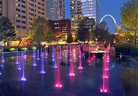 City Garden is a lush, two-block urban park in downtown St. Louis with 24 modern sculptures and fountains. Missouri, Vacation Trips, Vacation Spots, Vacations, Vacation Ideas, Indoor Amusement Parks, St Louis Mo, Free Things To Do, Weekend Getaways