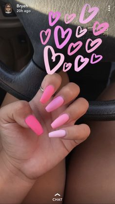 On average, the finger nails grow from 3 to millimeters per month. If it is difficult to change their growth rate, however, it is possible to cheat on their appearance and length through false nails. Pink Acrylic Nails, Pastel Nails, Acrylic Nail Designs, Pink Acrylics, Pink Ombre Nails, Pink Nail Designs, Matte Pink Nails, Colorful Nails, Red Nail