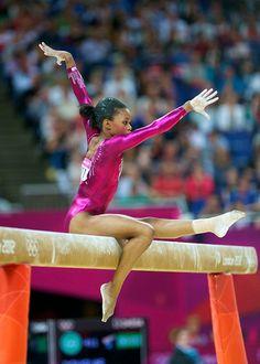 Gabby Douglas - Women's Artistic Gymnastics Individual All-Around Final Gymnastics Poses, Sport Gymnastics, Artistic Gymnastics, Olympic Gymnastics, Olympic Sports, Olympic Team, Gymnastics Leotards, Olympic Games, Gymnastics History