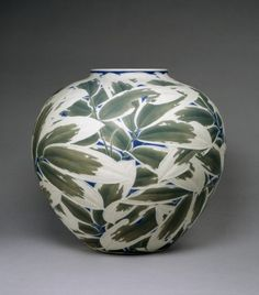 Vase with Low-Relief Decoration of Bamboo Leaves Itaya Hazan (Japanese, ca. 1915 (Taisho) pigmented porcelain body with celadon green and lapis lazuli Japanese Vase, Japanese Porcelain, Japanese Ceramics, Japanese Pottery, Glass Ceramic, Ceramic Clay, Ceramic Pottery, Pottery Art, Art Decor