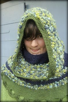 huge hoodie  crochet with medieval style  Häkeln im Mittelalterstil