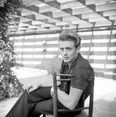 Heaven Wallpaper, Old Hollywood Actors, James Dean Photos, Rebel Without A Cause, East Of Eden, Lost Boys, Famous People, Actors & Actresses, Gentleman