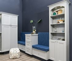 We love this cozy little nook from @Wellborn! What would your favorite book to read here be?