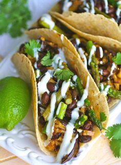 Tacos végétariens aux asperges, haricots noirs et aubergines.© Pinterest
