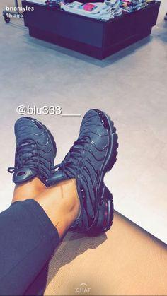 ⚠️ATTENTION:Pinterest: @blu333___ Add sc: just.blu333 YouTube: Blue's    with blu333 TUMBLER: justblu333 ⚠️INSTAGRAM:Flex.Bed.Baddies #2018 #heels #shoes #slides #kicks #shoegame #sandals #sneakerhead #blu333 #blu333gang #Nike #black