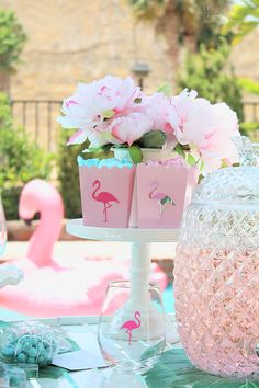 End of summer flamingo party drinks Flamingo Baby Shower, Flamingo Birthday, Flamingo Party, Pink Parties, Birthday Parties, Party Themes, Party Ideas, 21st Birthday Decorations, 38th Birthday
