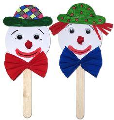 Popsicle Stick Crafts, Craft Stick Crafts, Diy And Crafts, Diy For Kids, Crafts For Kids, Bulletin Board Design, Carnival Crafts, Mardi Gras, Activities For Kids