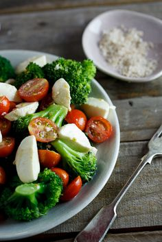 marinated Broccoli, tomato & mozzarella salad recipe -- few ingredients and great for summer