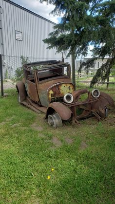 Crazy Cars, Weird Cars, Abandoned Houses, Abandoned Places, Amazing Photos, Cool Photos, Rust In Peace, Rusty Cars, Route 66