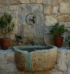37 Charming Garden Wall Fountains Water Features - DIY Craft and Home Mediterranean Outdoor Fountains, Outdoor Wall Fountains, Garden Fountains, Stone Fountains, Water Fountains, Garden Ponds, Koi Ponds, Big Garden, Dream Garden