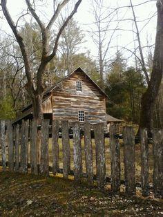 Cabin in. Cades Cove Smoky Mountains, Tennessee
