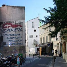 #paris #buildings #façades #car #street  (Pris avec Instagram à paris 20ème)