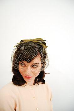 Vintage Veil Birdcage Veil Sage by concettascloset Wedding Headdress, Wedding Veils, Wedding Dresses, 1960s Wedding, Sixties Fashion, Paris Wedding, Rockabilly Fashion, Wedding Hairstyles, Pin Up