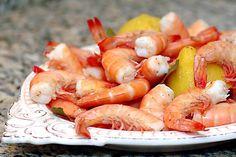 Sabe como cozer camarão ou gambas? Parece fácil, mas nem sempre corre bem! Veja as nossas dicas e passará a ter sempre um camarão maravilhoso! #Cozer_camarão_ou_gambas #receitas #dicas #truques #cozinha #cozer #camarão #gambas #deliciosos