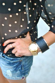 Jean shorts, sheer polka dot blouse, red nails, big gold watch and black bangle. Look Fashion, Fashion Beauty, Womens Fashion, Fashion Clothes, Street Fashion, Fashion Shoes, Polka Dot Blouse, Polka Dots, Red Dots