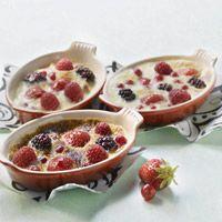 Découvrez la recette des gratins de fruits rouges