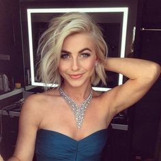 Julianne Hough does not only captivate with her hair but with her fashion picks as well. She's chanelling the sophisticated persona with this sexy sparkly studded necklace. You sparkle everywhere Julianne! #icecarats #jewelry #fashion #accessories #jewelryjunky #latestfashion #trending #fashiontrends #affordablefashion #lookbook #fashionbloggers #bloggerstyle #bestseller #instaglam #instastyle #wiw #jewelrylover #ootd #streetstyle #jewelrylover #jewelrytrends #dailyinspo #model #romantic…