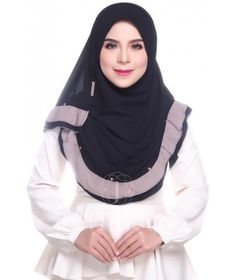 Sara Ruffles (Instant Shawl) Muslim Women Fashion, Womens Fashion, Turban Hijab, Hijab Tutorial, Beautiful Hijab, Green Lace, Hijab Outfit, Neck Scarves, Womens Scarves