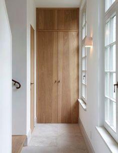 Opmaat gemaakt opbergkast Interior Architecture, Interior And Exterior, Japanese Interior, Built Ins, Interior Design Living Room, Interior Inspiration, New Homes, Home Decor, Hallways