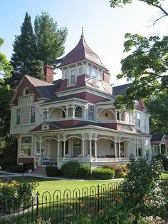 So many fantastic architectural details to adore on this stellar Victorian home. #house #home #Victorian
