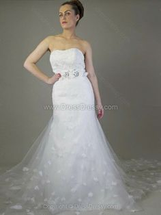 Trumpet/Mermaid Strapless Tulle Sweep Train Lace Wedding Dresses -$218.39