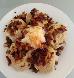 Gemerské guľky trochu inak - recept   Varecha.sk Grains, Rice, Eggs, Breakfast, Food, Red Peppers, Morning Coffee, Egg, Meals
