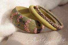 Set of green bracelets with pink berries Silk Thread Bangles Design, Silk Bangles, Bridal Bangles, Polymer Clay Bracelet, Bangle Set, Bracelet Set, Terracotta Jewellery, Berry, Fabric Jewelry
