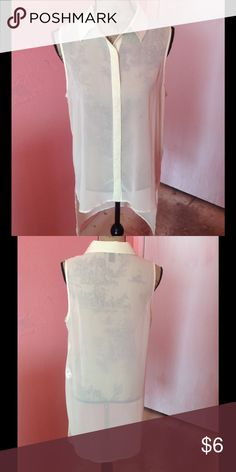 Chiffon blouse This is a gently used high-low chiffon blouse from forever 21. Great for spring/summer Forever 21 Tops Blouses