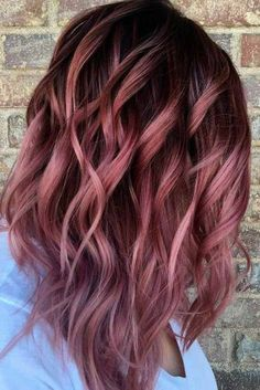 Want to upgrade your hair color? Then you need to try a balayage. Here, 20 gorgeous balayage hair looks that will inspire your next salon visit. Rosa Highlights, Brown Hair With Highlights, Color Highlights, Brown And Pink Hair, Brunette Highlights, Balayage Highlights, Brown Hair Ombre Purple, Deep Purple, Dark Maroon Hair