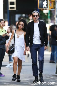 Robert Pattinson and FKA Twigs haven't been out together lately (Photo ...